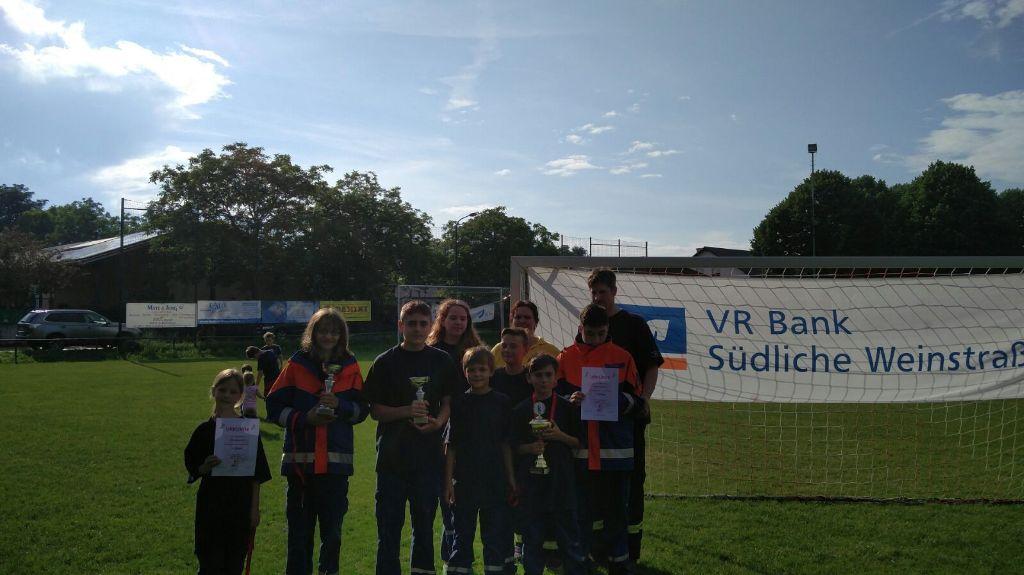 30 Jahre Jugendfeuerwehr Mörzheim - Wettkampf bei wechselhaftem Wetter