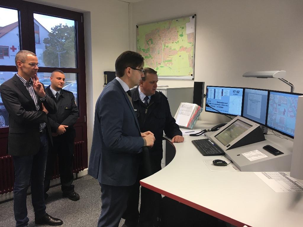 Neue Feuerwehreinsatzzentrale der Feuerwehr Landau in Dienst gestellt - Oberbürgermeister Hirsch: »Ein Meilenstein für eine zukunftsfähige Feuerwehr«