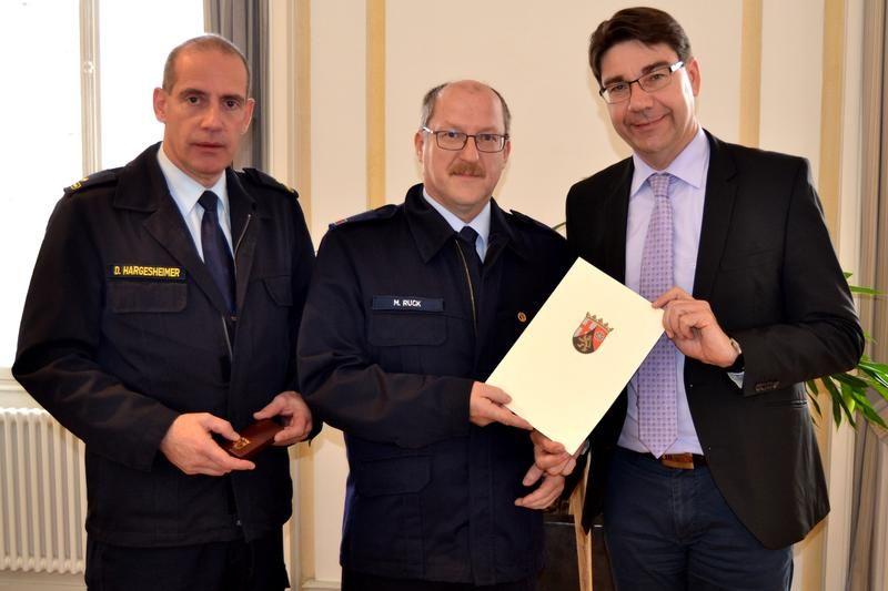 Matthias Ruck mit Goldenem Feuerwehrehrenzeichen des Landes Rheinland-Pfalz ausgezeichnet