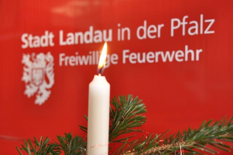 Freiwillige Feuerwehr Landau gibt Brandschutztipps für die Weihnachtszeit