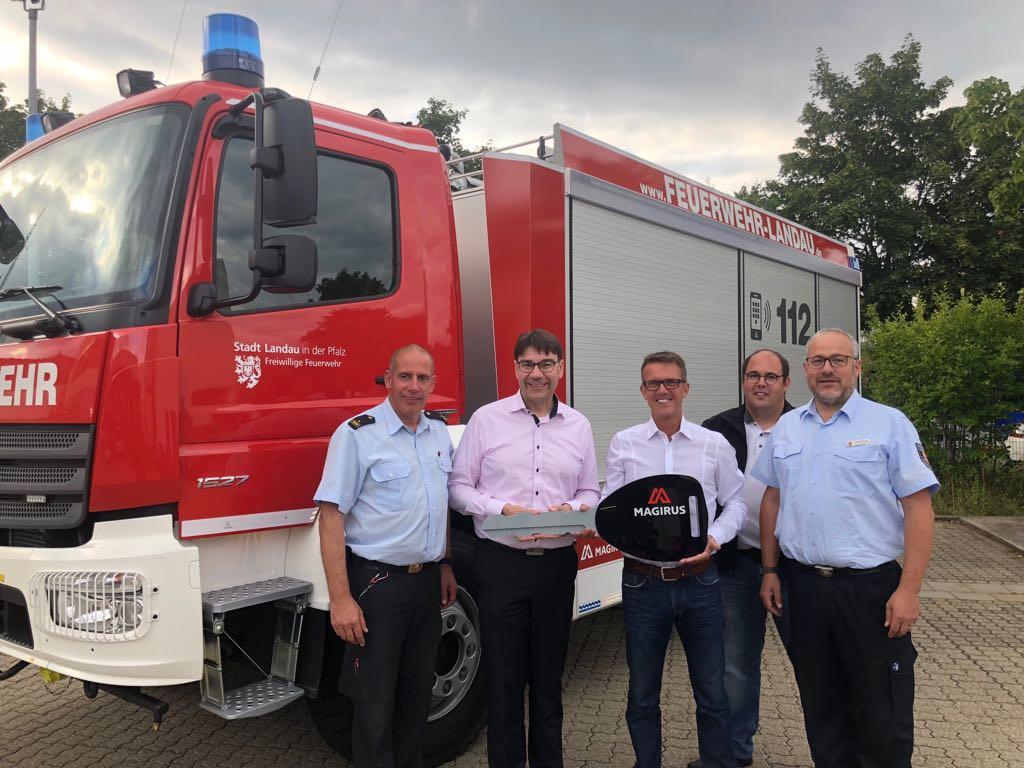 Neues Tanklöschfahrzeug 3000 übergeben