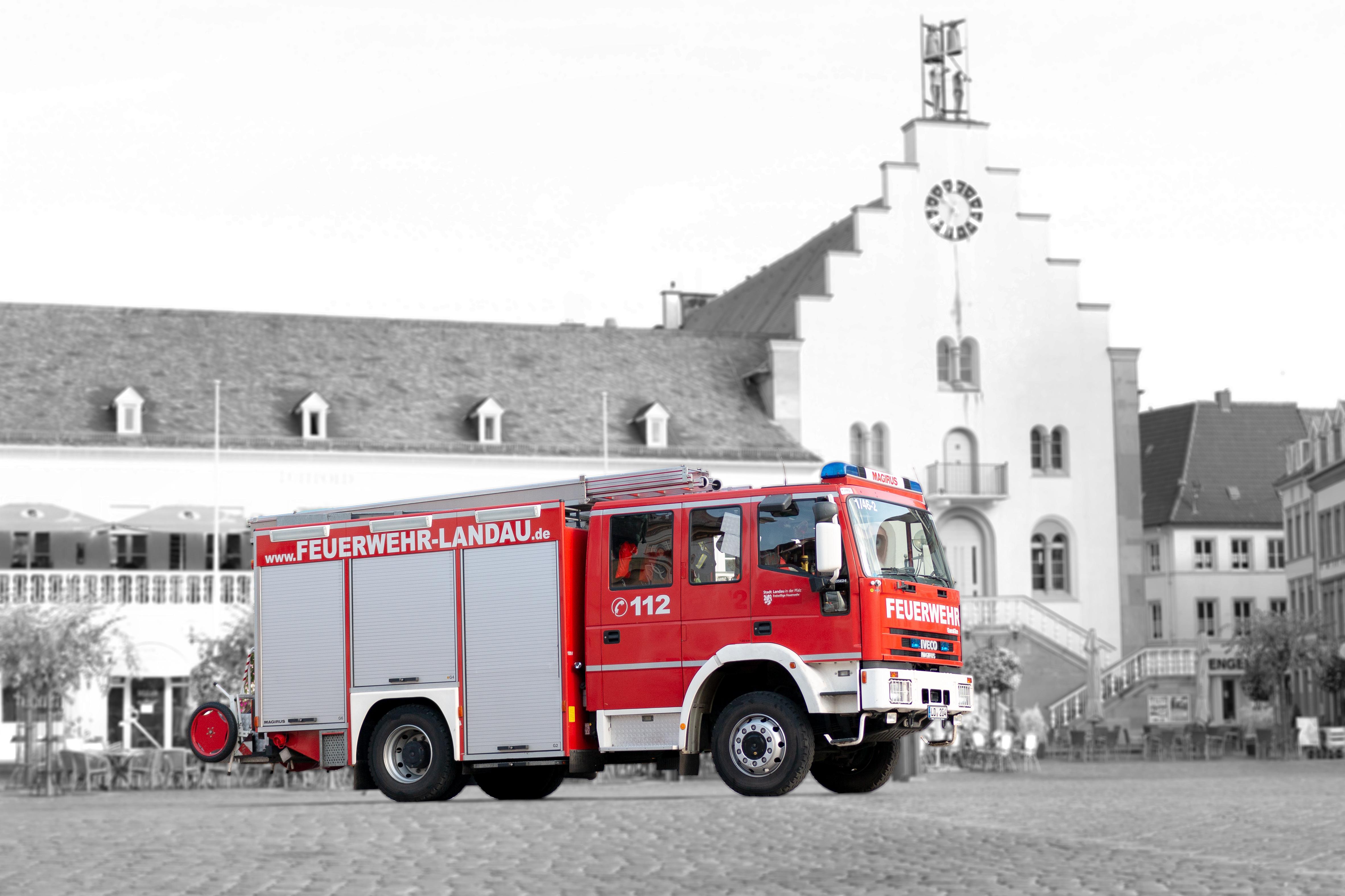 Fahrzeug: Hilfeleistungs-Löschgruppenfahrzeug HLF 20/16-2