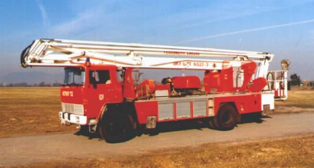 Fahrzeug: Gelenkmastbühne GM 25-3