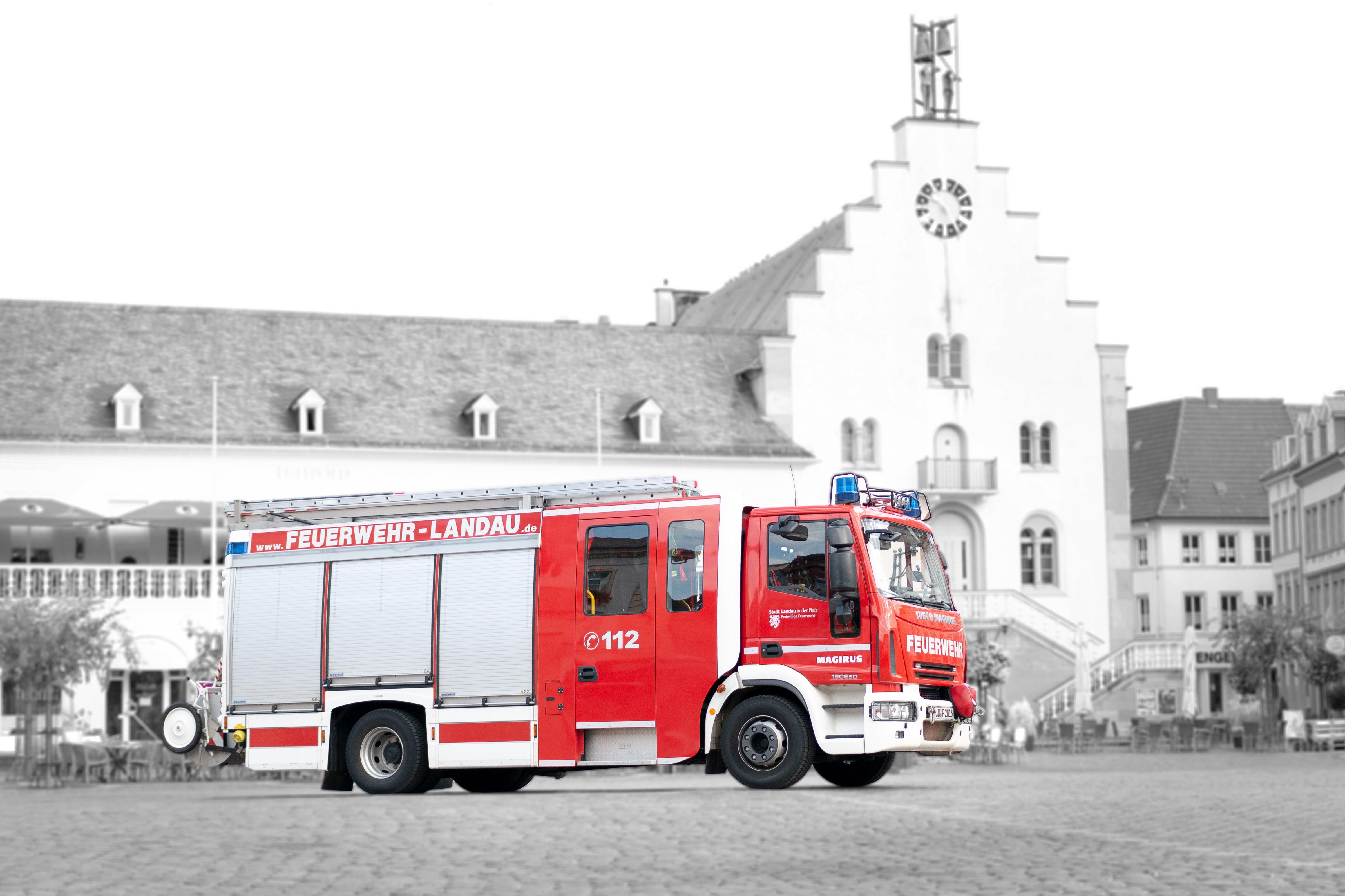 Fahrzeug: Hilfeleistungs-Löschgruppenfahrzeug HLF 20/16-1