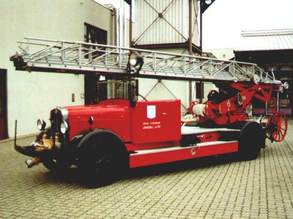 Fahrzeug: Drehleiter 24 DL 24